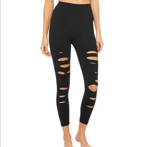 Alo Yoga Ripped Warrior NWT
